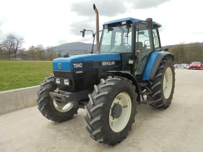 Tracteur agricole New Holland 7840 sle - 1